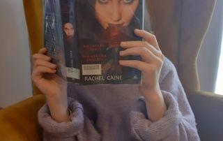 z książką mi do twarzy